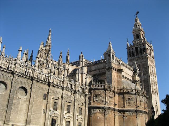 Giralda e Catedral de Sevilha