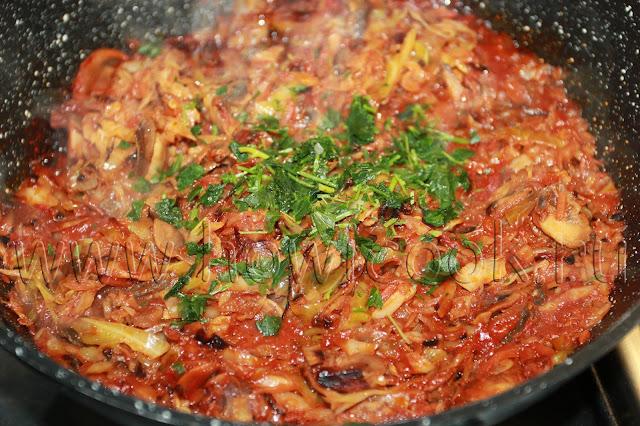 рецепт капусты, тушеной с грибами с пошаговыми фото
