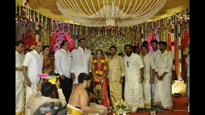 Actor-Chandrasekars-Daughter-Marriage-held-in-Palani3