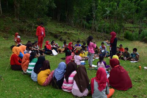 Kelas Literasi di Dusun Moncongang Desa Bontomanai
