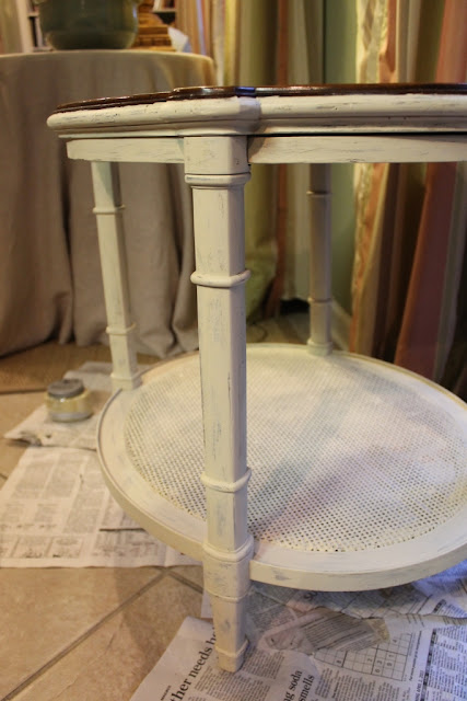 how to distress chalk paint