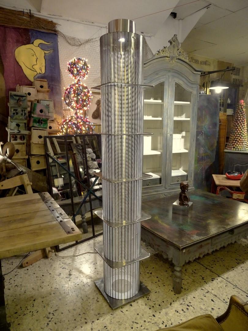 brocante d coration un nouveau monde luminaire design industriel. Black Bedroom Furniture Sets. Home Design Ideas