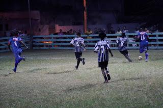 http://vnoticia.com.br/noticia/2474-barrinha-e-morro-do-coco-fazem-a-final-da-copa-verao-de-futebol-7-de-sfi-neste-sabado-3
