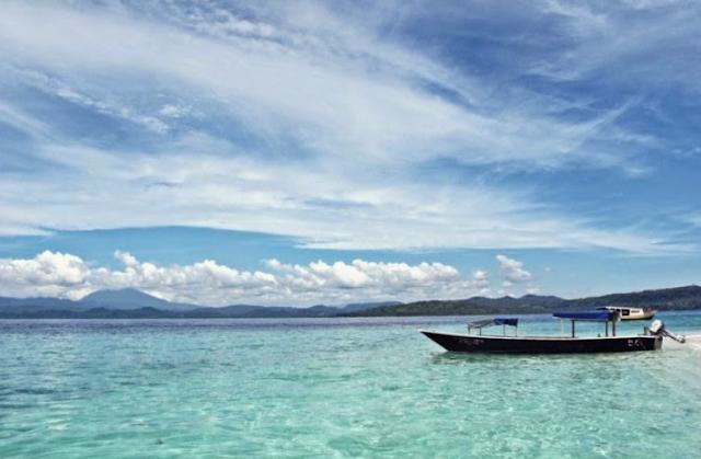 Destinasi Wisata Pantai Lagundri
