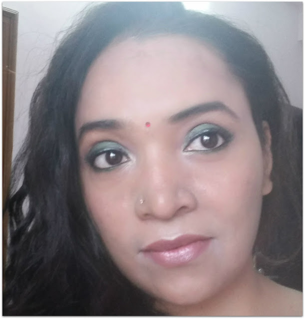 Lakme Eyeconic Green and Soultree Khol In Grey Glow Review & Makeup Look
