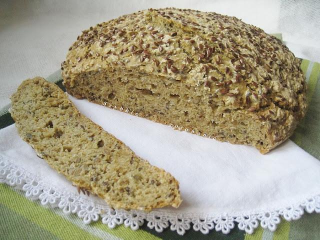 Błyskawiczny ziołowy chleb na sodzie i proszku