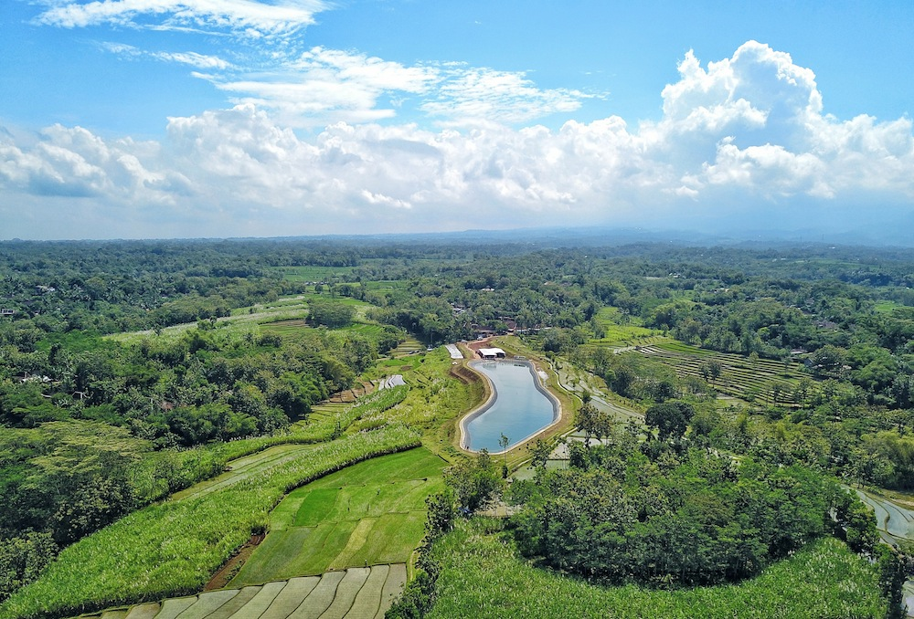 """<a href=""""http://mataram.info/things-to-do-in-bali/visitindonesia-banda-marine-life-the-paradise-of-diving-topographic-point-inward-fundamental-maluku/"""">Indonesia</a>best destinations : To A Greater Extent Than Than A Pool: Embung Doho"""