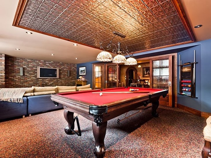 Entertainment room in Outstanding custom built house in Canada
