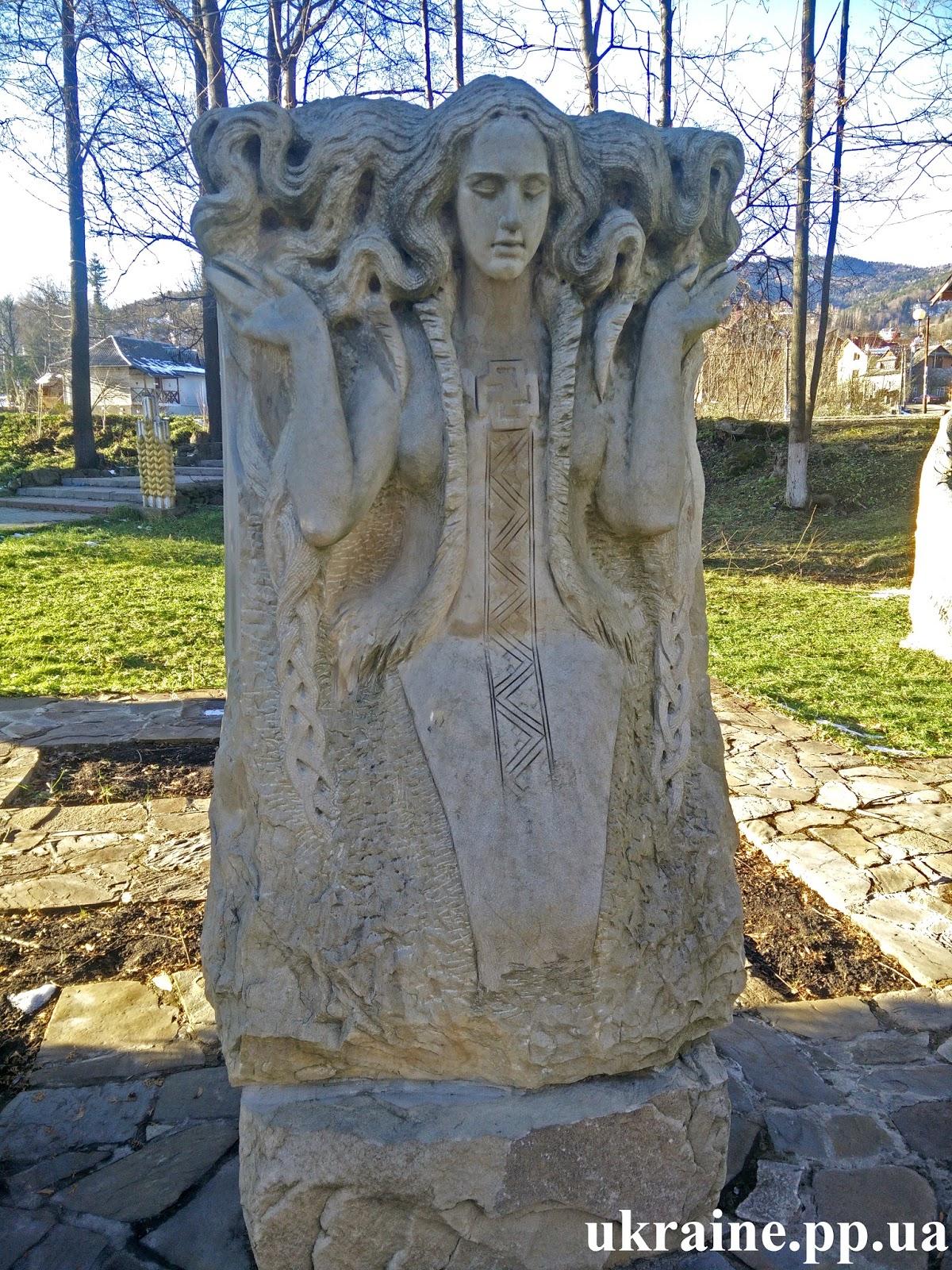 Богиня воды Дана