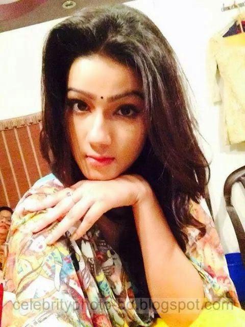 HD Wallpaper of BD Hot Actress Mahiya Mahi