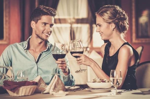 5 πράγματα που ζουν οι γυναίκες στα ραντεβού και οι άντρες δεν τα γνωρίζουν