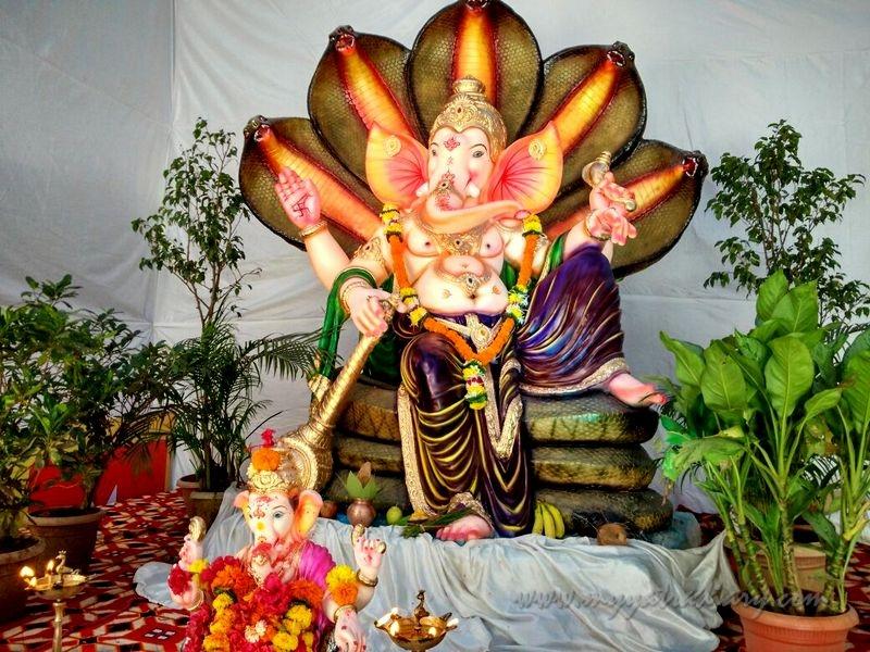 Ganesha on a serpent Shesha, Ganesh Chaturthi Mumbai Pandal Hopping