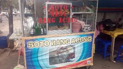 Tempat makan soto Betawi