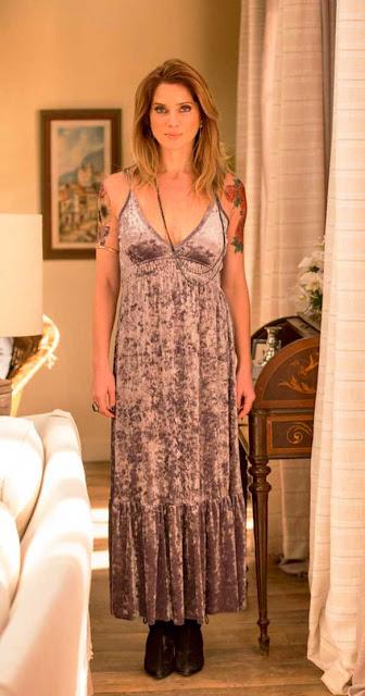 Lenita (Leticia Spiller) vestido