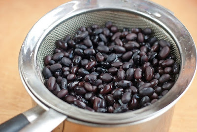 Cooked and drained black beans