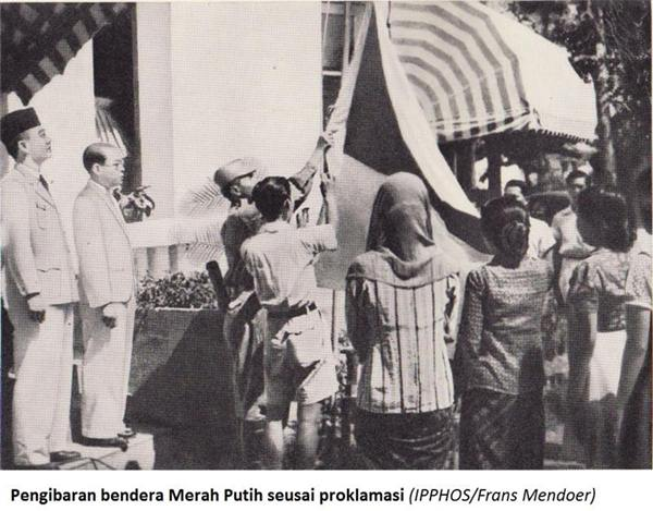 Pengibaran bendera Merah Putih[/caption]