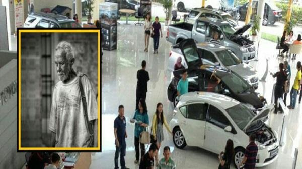 Lelaki Berpakaian Singlet Dan Berselipar Datang Ke Bilik Pameran Kereta Tidak Dilayan , Apa Yang Dibeli Selepas Itu Buat Salesman Lain Tergamam !!