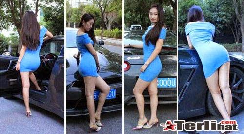Foto Rok Mini Wanita Seksi Banget