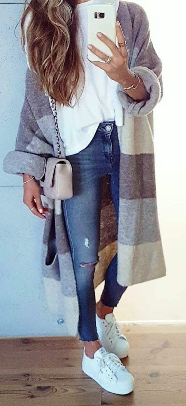 trendy winter outfit / sneakers + skinnies + bag + white top + cashmere cardigan