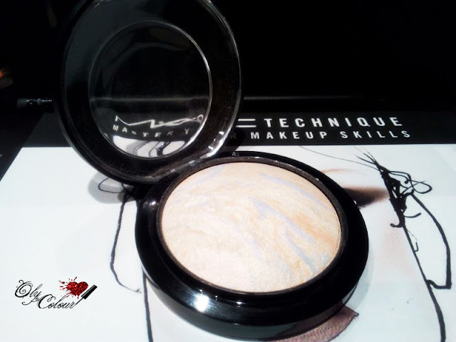 Iluminador-mac-Lights-capad-mineralize
