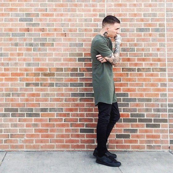 Look Masculino com camiseta verde militar