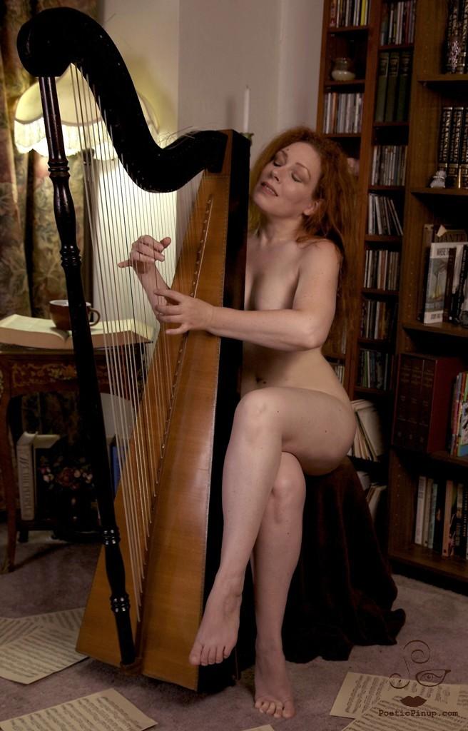 Nude Harp 20