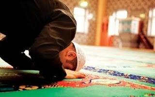Beri'tikaf ketika malam lailatul Qadr malam ke 10 akhir ramadhan