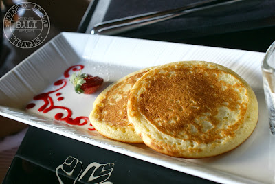 Viceroy Hotel Ubud Review - CasCades Restaurant Gluten Free Eating in Bali - Buttermilk Pancakes