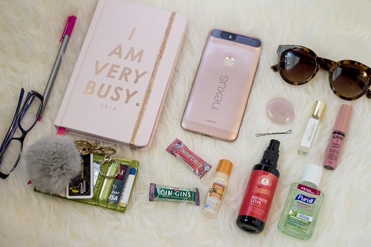 The Contents Of My Bag Change Every Day Depending On What I M Doing Or Using But Here Is An Update Some Essentials