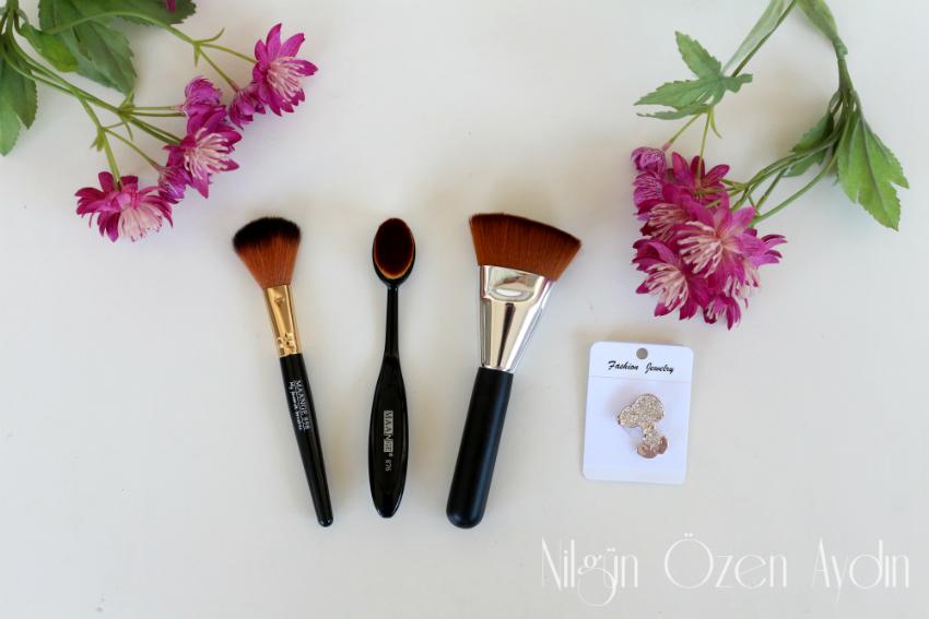 www.nilgunozenaydin.com-makyaj fırçaları-makeup brushes-moda blogu-fashion blog