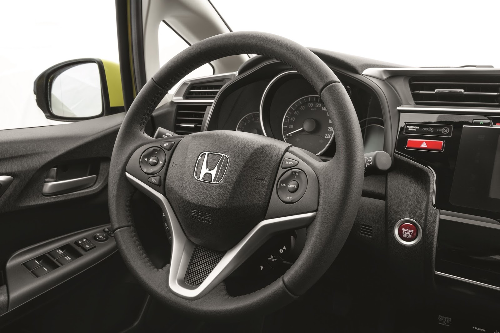 58079 2015 Honda Jazz Η τρίτη γενιά του Honda Jazz ήρθε ακόμα πιο πρακτική και «εξυπνότερη»