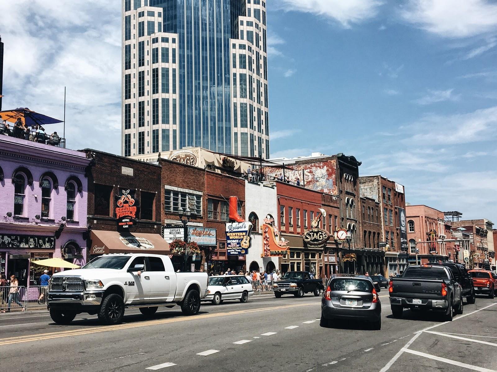 Nashville-Broadway-Bars