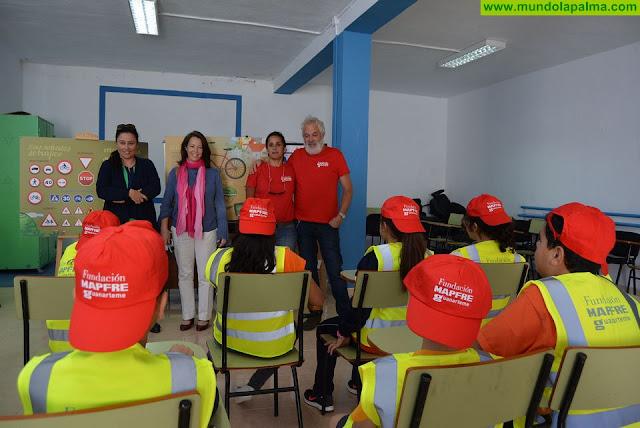 El Cabildo desarrolla una jornada de seguridad vial y emergencias para escolares de primaria de Santa Cruz de La Palma