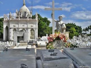 Cemitério em Cuba