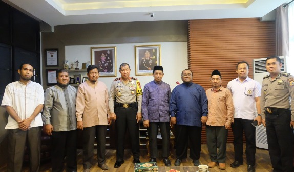 Panitia Silatnas Pesantren Darul Istiqomah, Silaturahmi Dengan Kapolda Sulsel