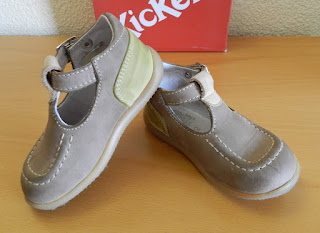 Zapato infantil. Zapato Kickers.