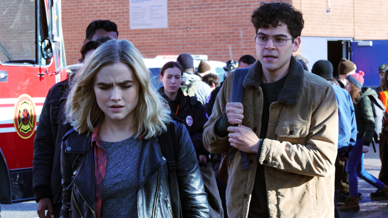 Fotografía de Maddie Hasson y Daniel Maslany en Impulse de Youtube Originals