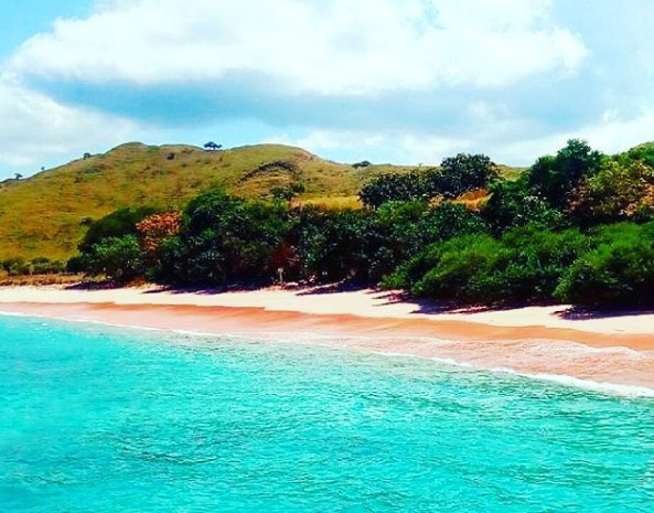 Snorkling di Pink Beach