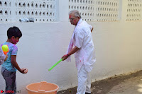 Gulzaar Celeting Holi at his Home 13 03 2017 005.JPG