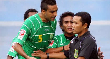protes-wasit