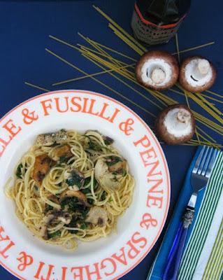 Spaghetti with Mushrooms and Artichoke