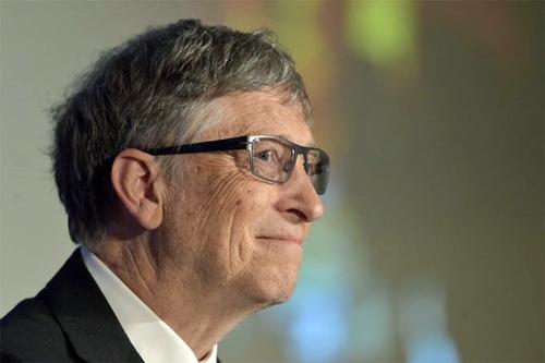 Bill Gates defende que se os robôs vão roubar seu emprego, eles deveriam pagar impostos