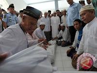 Gubernur Sumsel Khawatirkan Makin Berkurangnya Petugas Memandikan Jenazah