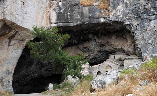 Davelis cave Mount Penteli Athens Greece