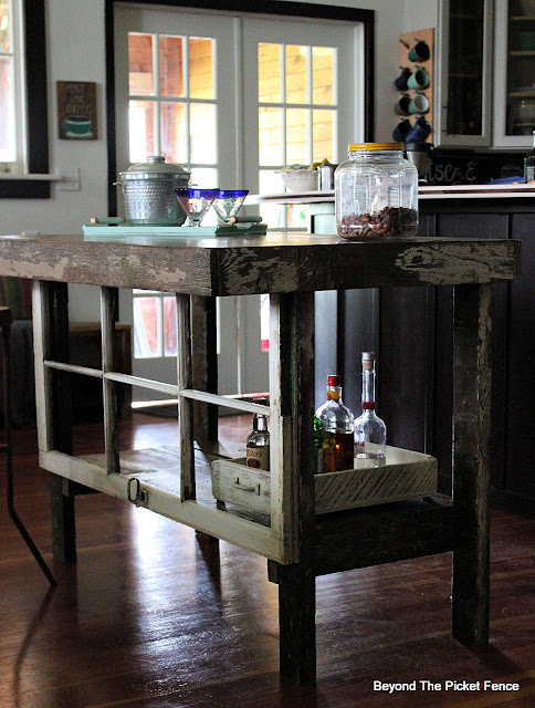 Rustic Farmhouse Kitchen Island and Bar