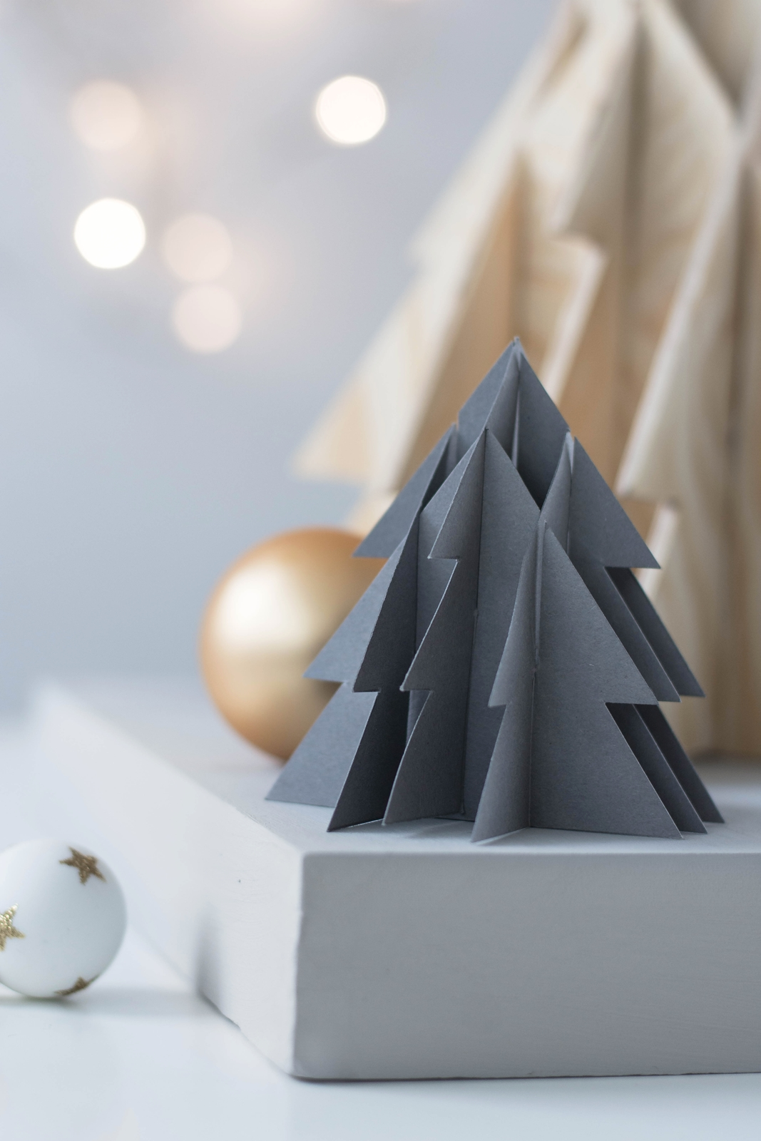 kreativ adventskalender t rchen 9 3 d weihnachtsbaum aus papier holz inkl vorlage. Black Bedroom Furniture Sets. Home Design Ideas