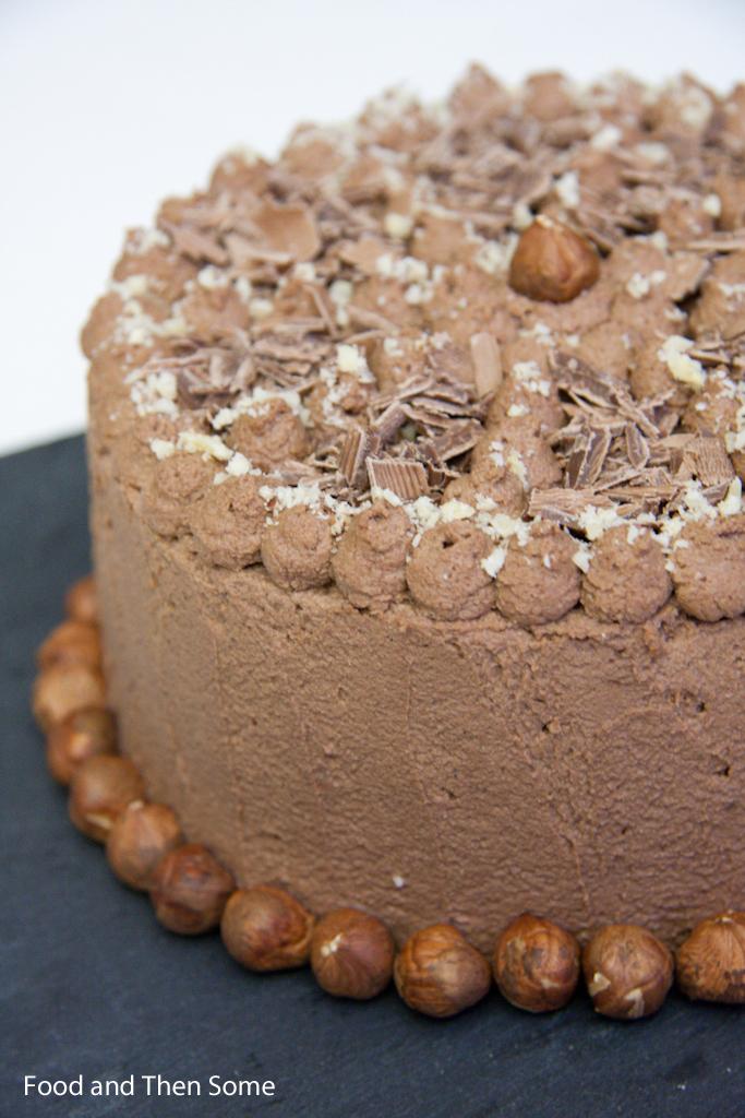 Suklaa Pähkinäkakku