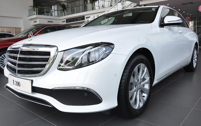 Mercedes E200 2017 được thiết kế theo phong cách lịch lãm, sang trọng