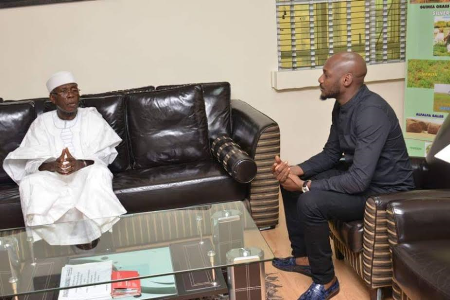 2Face Idibia Pays Courtesy Visit To Minister Of Agriculture, Audu Ogbeh