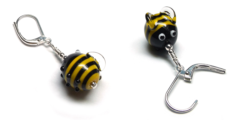 Lampwork glass bee stitch markers by Laura Sparling